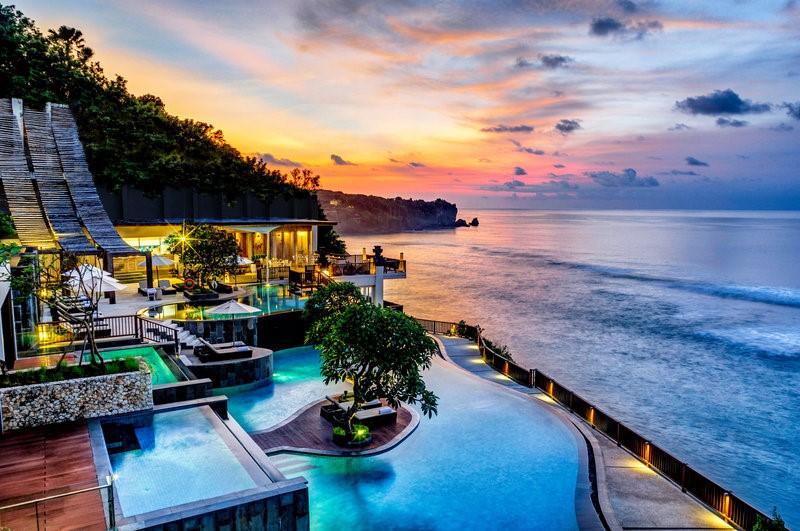 Liburan Mewah? 7 Penginapan Kelas Dunia di Bali Ini Bakal Bikin Kamu Merasa di Istana 1