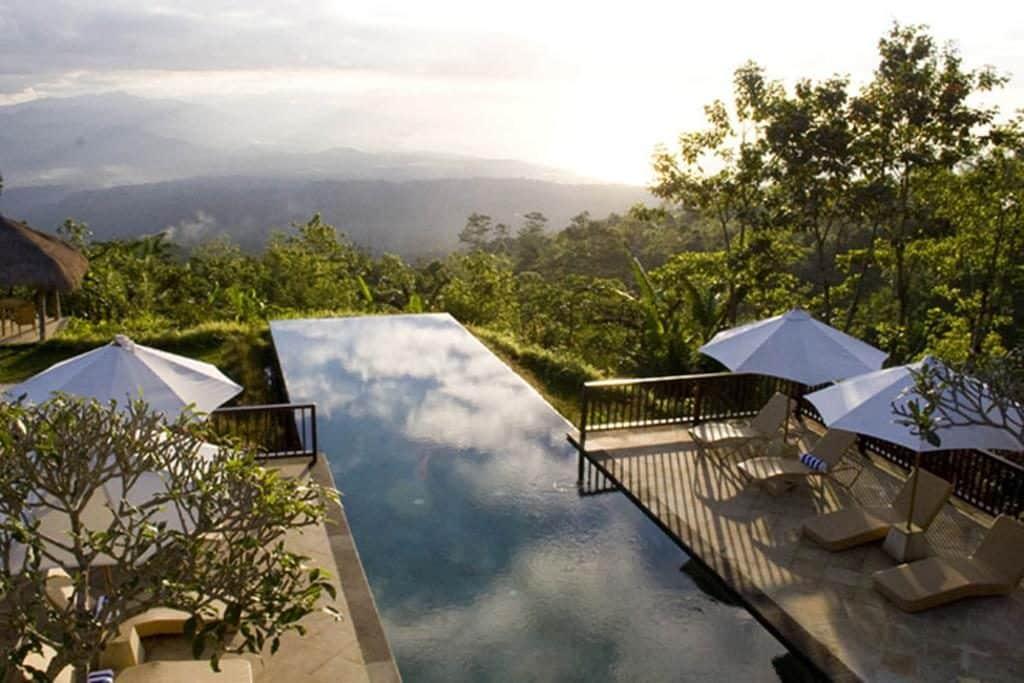 9 Daftar Penginapan di Bali yang Cocok untuk Honeymoon 1